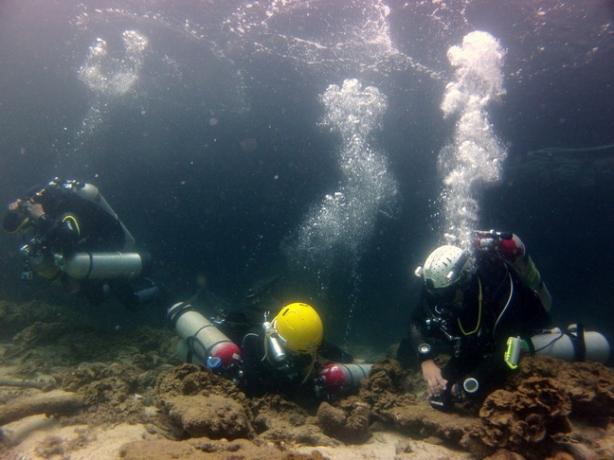 Filipino Cave Divers